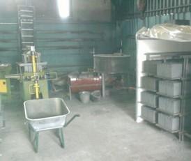 Производство в гараже шлакоблоков, природного камня и памятников